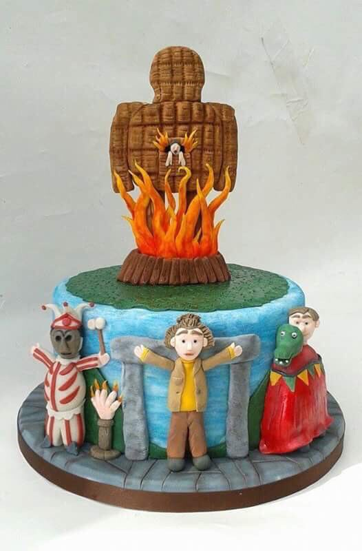 WICKER MAN Cake by Petticoats &amp; Frills.  #GhastlyGastronomy <br>http://pic.twitter.com/VxrcuUJ3I5