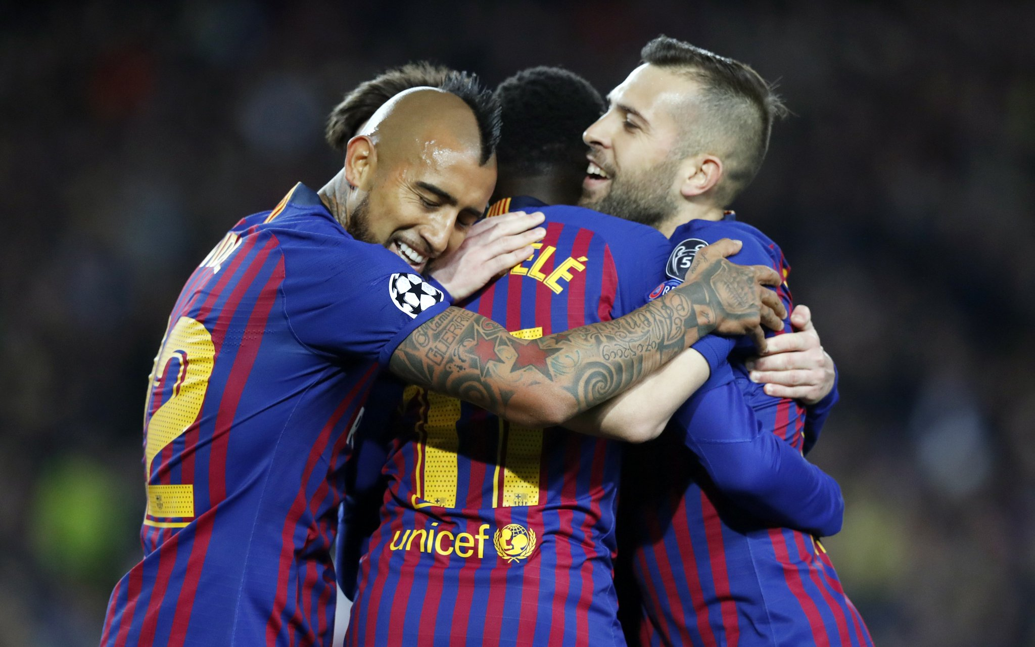 When YOUR goal wraps up the game, your teammates wrap YOU up.  #BarçaOL https://t.co/mtVzA644Rd