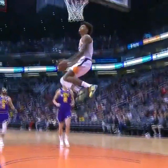 Kelly Oubre Jr. with the DOUBLE PUMP REVERSE! ��  #TimeToRise 64 #TeamIsEverything 72  ����: https://t.co/LkzVfwCsdB https://t.co/Mr37OKL18d