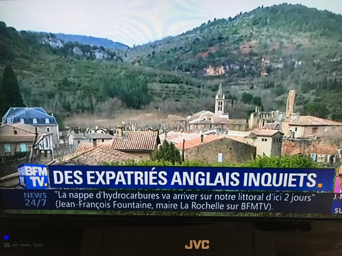 "Worried Brits living in picture-postcard countryside topping the news agenda in France today. Laurent Wauquiez, President of the Republicans, told ⁦@BFMTV⁩: ""British parliament has lost its head""<br>http://pic.twitter.com/E6kgYqEREJ"