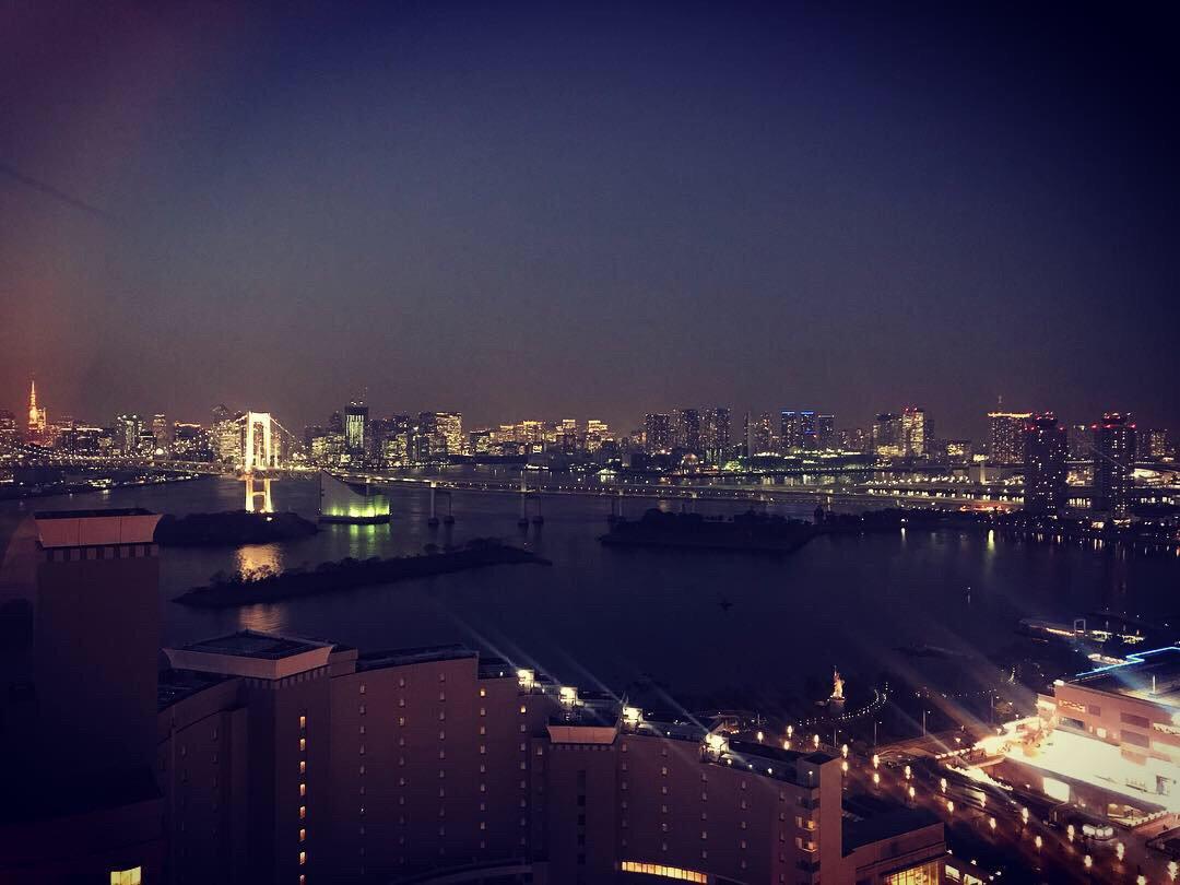 福田雄一 監督と 井上芳雄 さんのミュージカル愛炸裂トークを収録した都内某所からの夜景 お福分けです