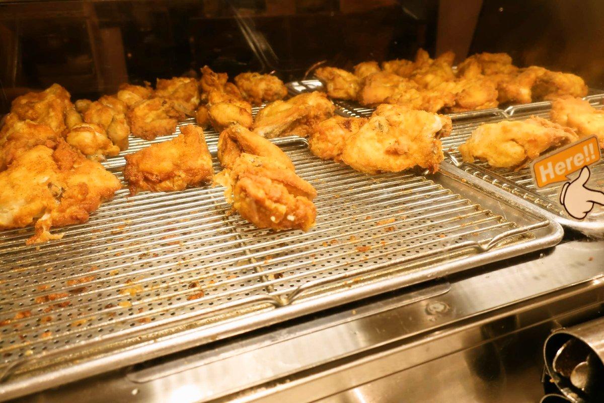 そういえば先日ケンタッキーの食べ放題店に行ってきたのですが、控えめに言ってケンタッキー好きには幸せしかない場所でした  チキンはもちろんですが、ケンタのビスケットが好きな方には特に極楽ですw