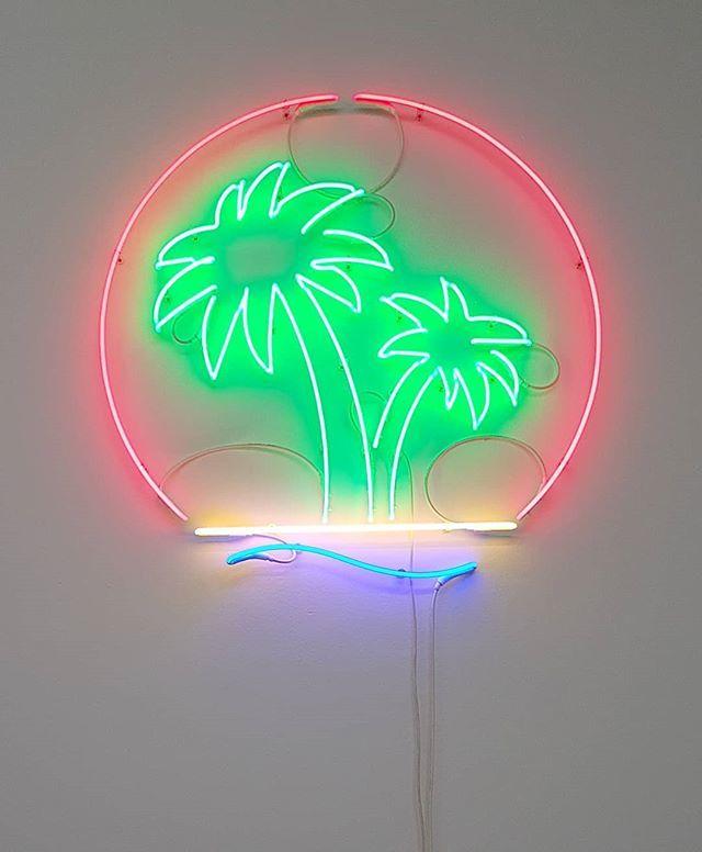 @rytsmonet #PalmOil #neon #NeonLight @galleriamichelarizzo #Venice #ContemporaryArt #RytsMonet https://t.co/I4uDS2Y2px