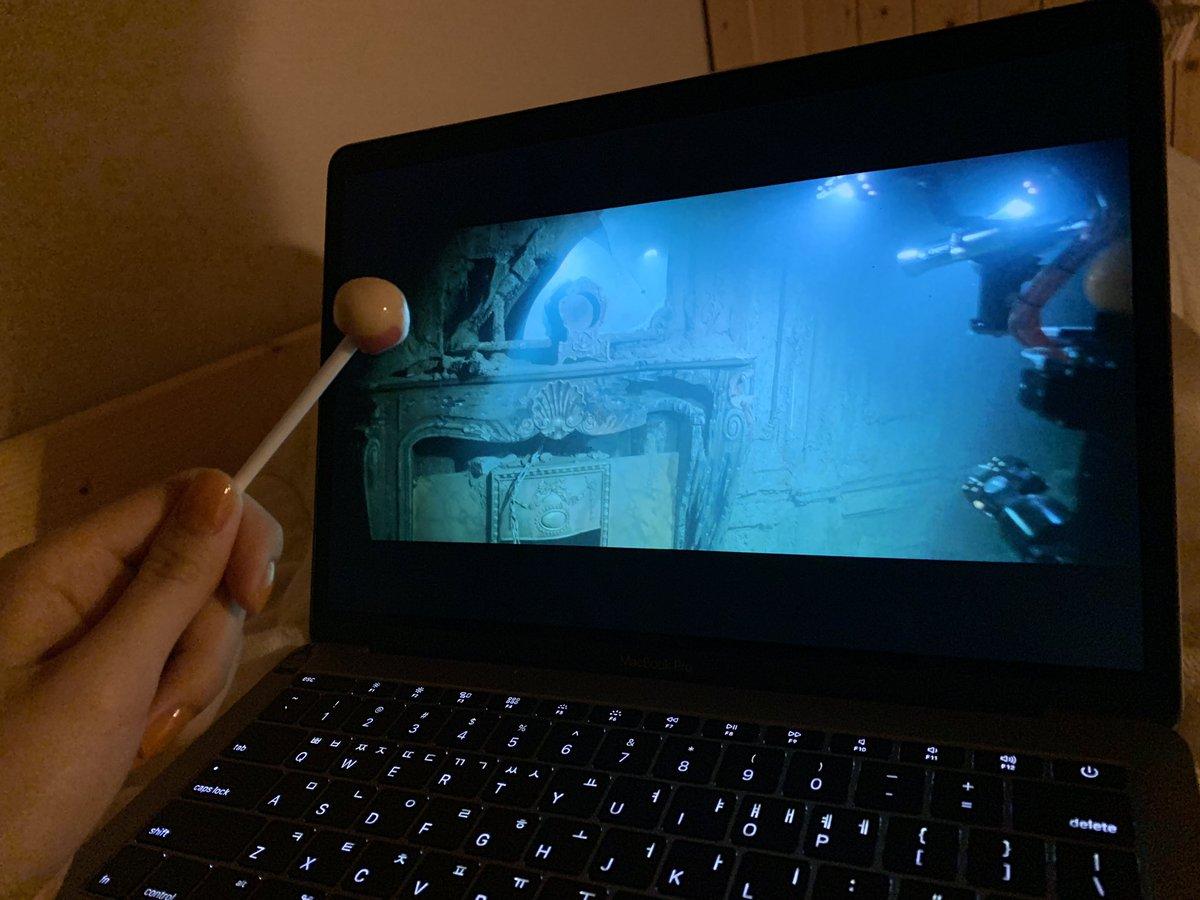 키링 저는 오늘부터 명작영화 보기에 돌입할거에요! 첫번째는 타이타닉☺️  키링이 생각하는 영화 추천해주세요!!  #도연 #사탕과함께 #타이타닉