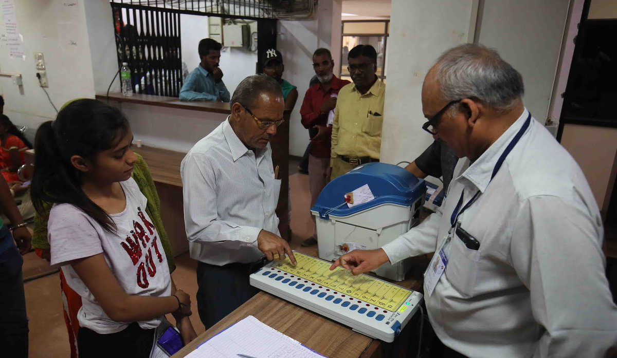 Lok Sabha elections began in Gujarat for 22 seats in 1962, raised to 24 seats in 1967 and to 26 in 1977