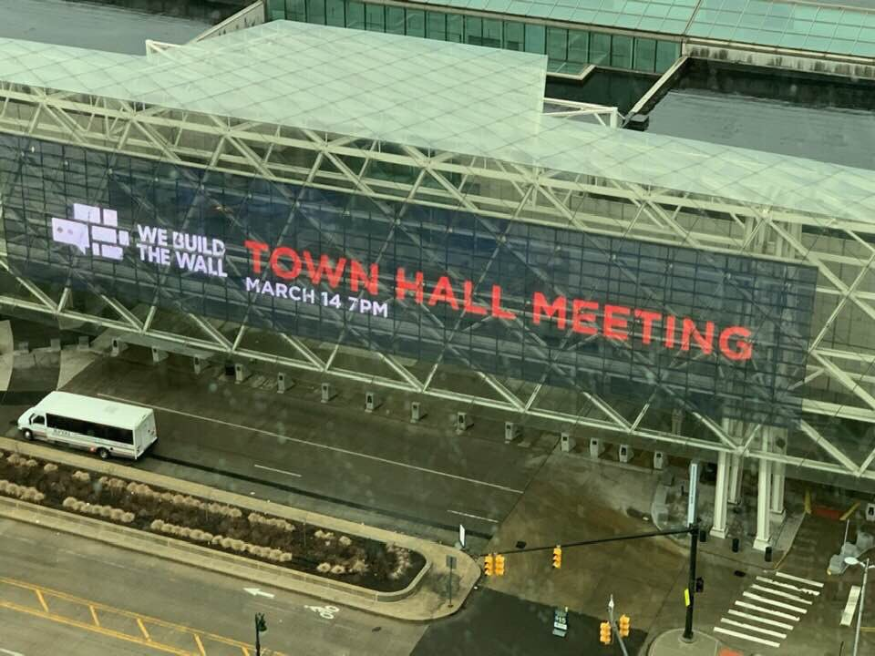 We Build the Wall Town Hall Coming to #DETROIT #MICHIGAN TONIGHTVisit  http:// webuildthewall.com  &nbsp;   to sign up to attend event. #Media please contact me or media@webuildthewall.us to sign up. MUST BE REGISTERED  #Webuildthewall @BrianKolfage @WeBuildtheWall @Joy_Villa<br>http://pic.twitter.com/wjwsNl0qZ7