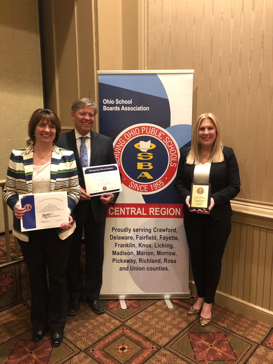 Three Olentangy BOE members plus @OlentangyOA received awards at the OSBA Central Region Spring Conference. @Jwfeasel received the OSBA Award of Achievement, @DaveKing4OLS and @obrienk12012 were recognized for 10 years of service and OA was named an Outstanding Program. Congrats!