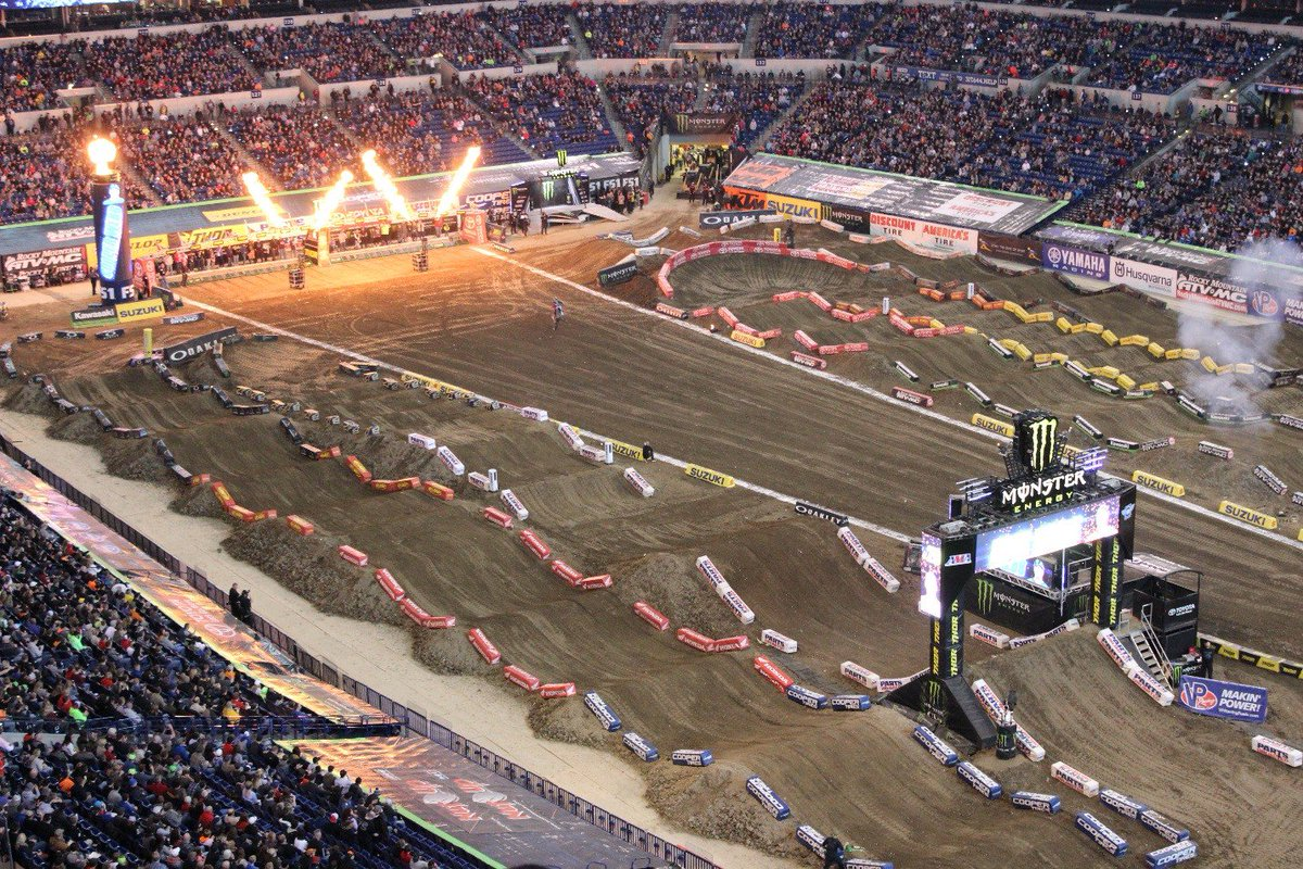 ".@SupercrossLIVE returns to @LucasOilStadium on Saturday!  5:30PM - Gates Open 6:30PM - Opening Ceremonies 7:00PM - @SupercrossLIVE   👜All bags are subject to search. Bags cannot exceed 12"" x 6"" x 12"" 🎟️Tickets: http://ow.ly/8xge30nYryp   🚗Parking: http://ow.ly/ZhYf30nYrzm"