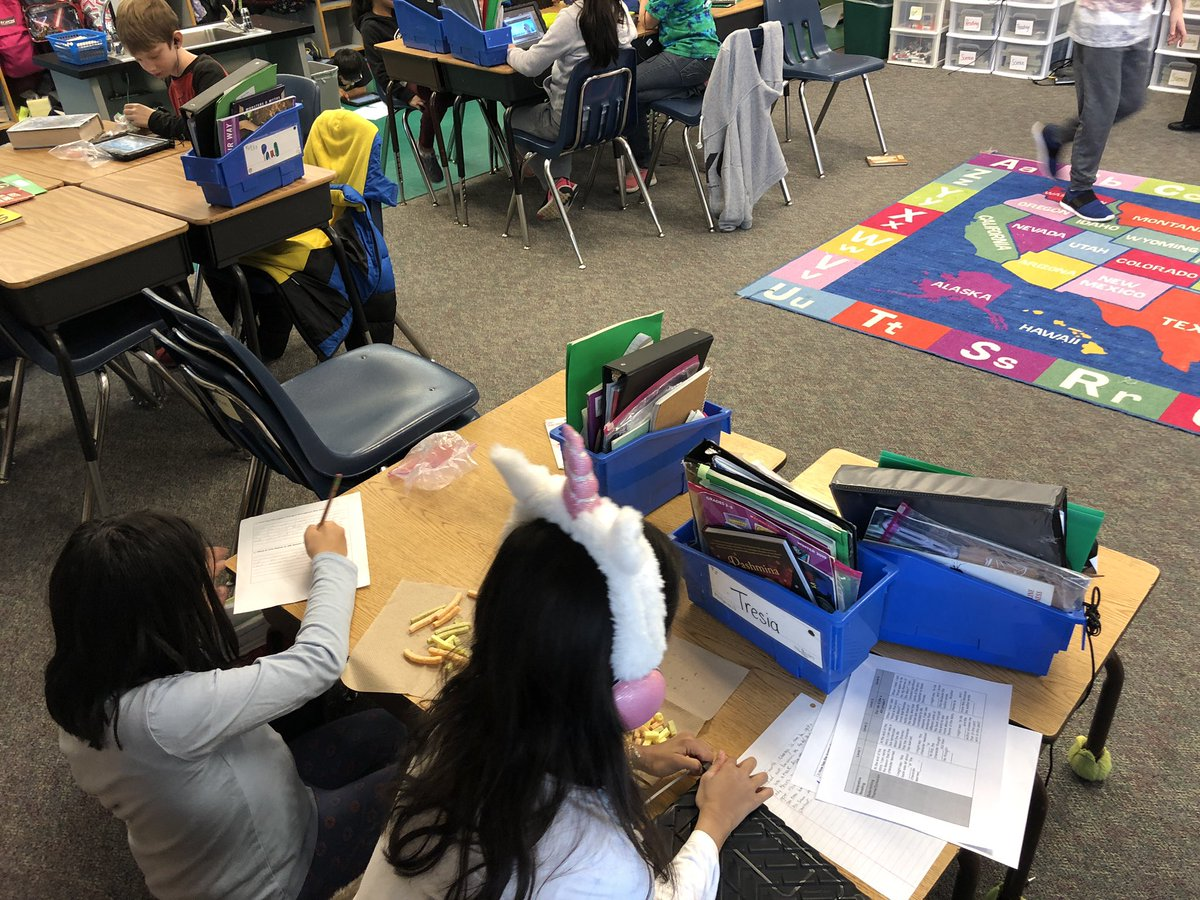 Ss use accessible text (video) and kid friendly rubrics to practice thinking and writing about theme. What life lessons did the author try to teach you? How did they accomplish it? <a target='_blank' href='http://search.twitter.com/search?q=kwbpride'><a target='_blank' href='https://twitter.com/hashtag/kwbpride?src=hash'>#kwbpride</a></a> <a target='_blank' href='http://twitter.com/KWBManess'>@KWBManess</a> <a target='_blank' href='https://t.co/5fm2Kfnn3x'>https://t.co/5fm2Kfnn3x</a>