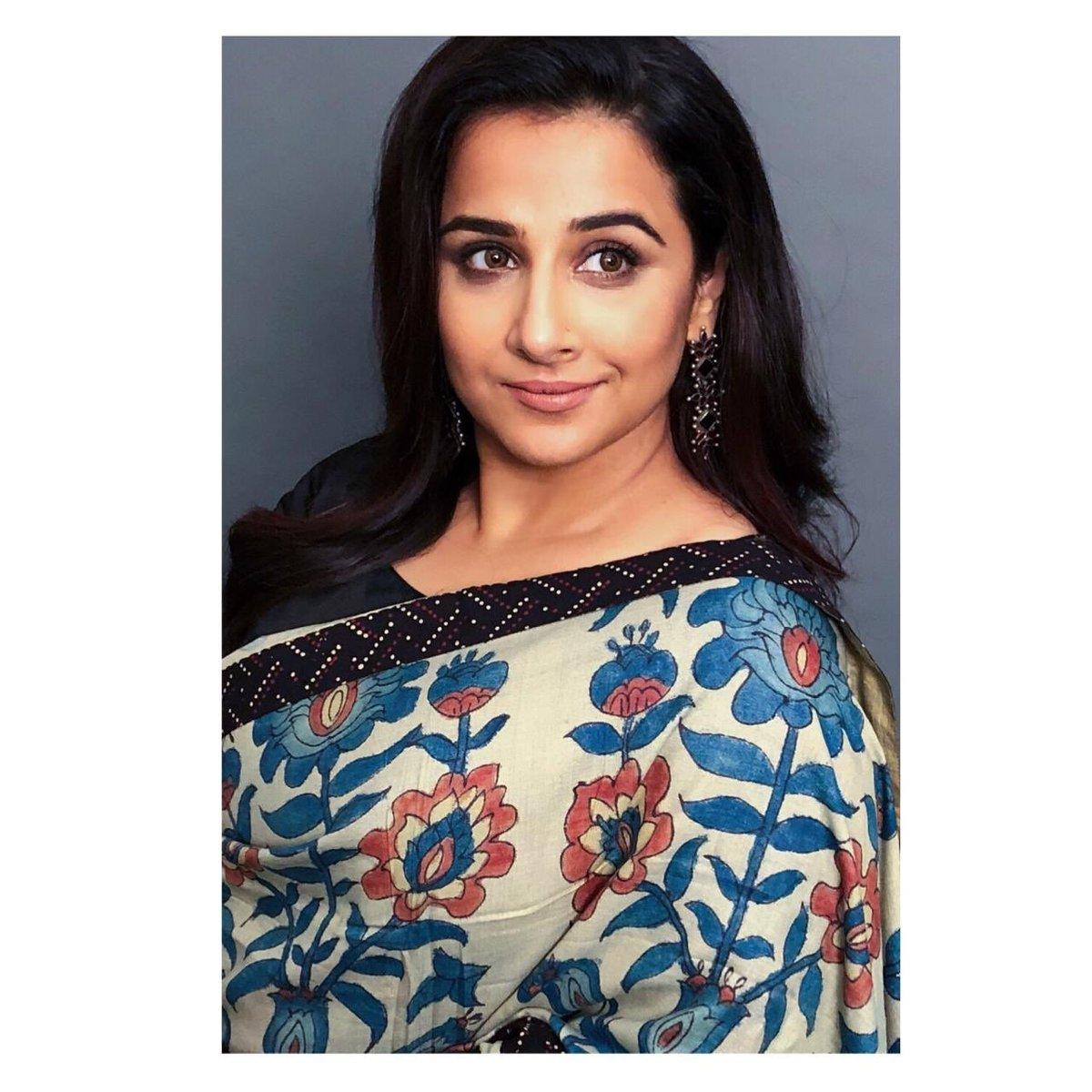 @vidya_balan looking beautiful in the 'Umanga' Kalamkari saree #ayushkejriwal #vidyabalanpic.twitter.com/v7wpX7fLP8