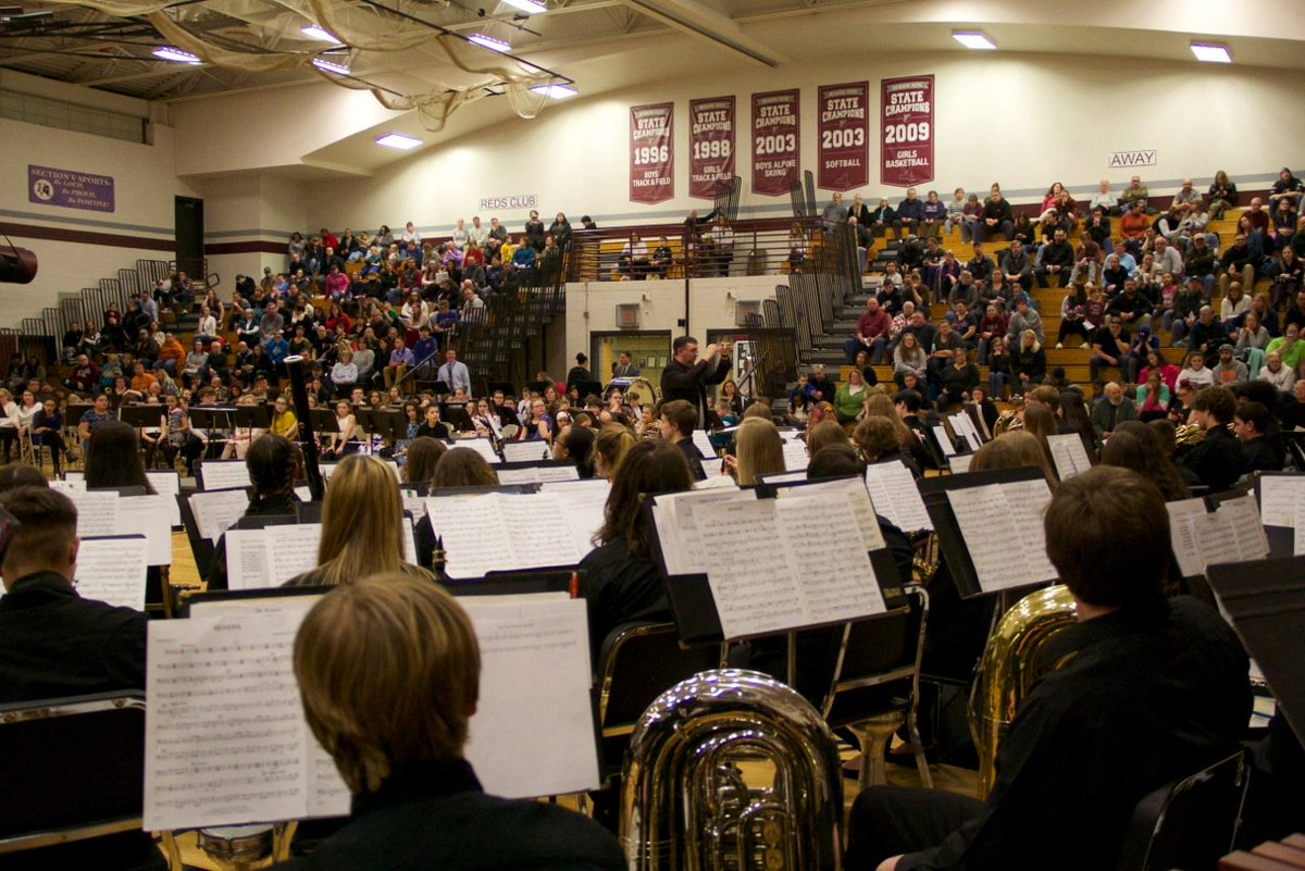 Hundreds fill gymnasium in Newark for Cavalcade of Bands
