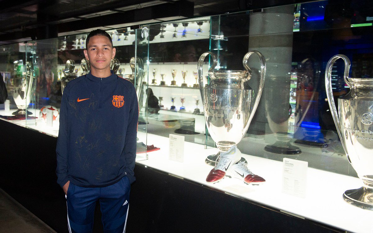 A visit to the Barça museum, and to the Barça Escola, where he trained with other youngsters, were among the activities Anthony Borges took part in to round off an unforgettable trip to Barcelona for him and his family.