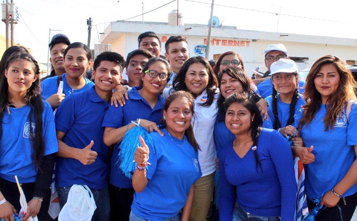Nadia Navarro's photo on #32añosAJ