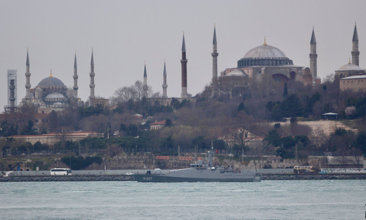 Yoruk Isik On Twitter Armed With 3m14 Kalibr Cruise Missiles Vmf Project 636 3 Kilo Class Sub Chf Bsf Krasnodar B265 Made Historical Bosphorus Transit En Route To Admiralty Shipyard In St Petersburg