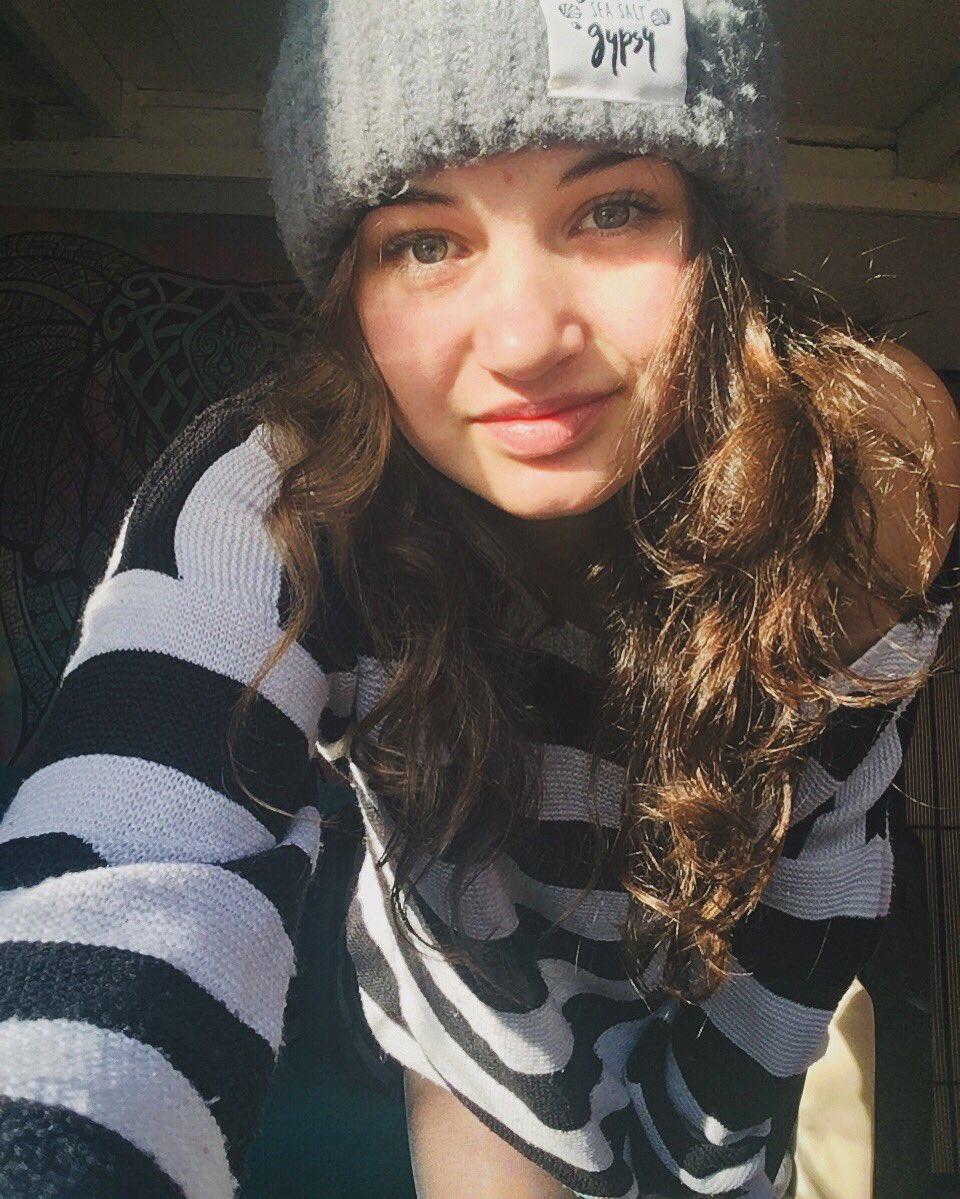 b716dff5c0b Louella Jade Eke ( LouJeke)
