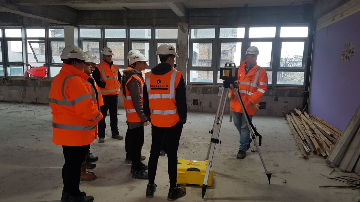 Our team at the @fire_scot Macdonald Road refurb in Edinburgh are working with young people at @PilrigPark to teach them all things construction, including apprenticeships, training and trying out the equipment. #loveconstruction @Scape_Group #teamscape