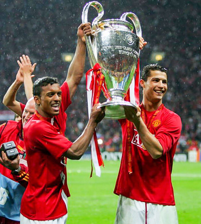 Congratulations to my friend @Cristiano for his amazing game in the @ChampionsLeague this week. Throwback to our title in 2008! 🔝🇵🇹⚽🏆  #tbt #throwback #ucl #trophies