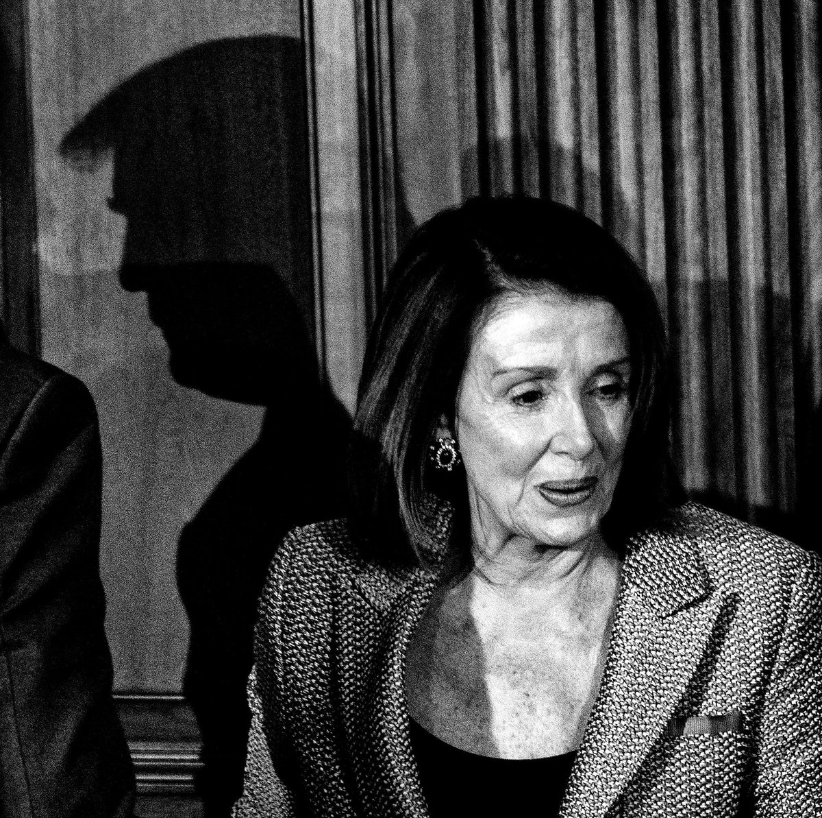 .@realDonaldTrump and @SpeakerPelosi pass each other during a Friends of Ireland luncheon on Capitol Hill.