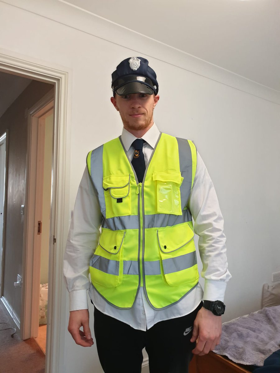 I wanted to know what it was like to take shit off the public all day, so I started work as a ticket officer.   Day 1...