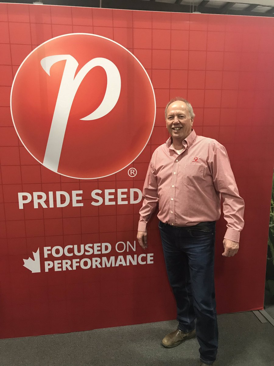 If you see this guy today wish him a happy birthday 🥳 @Fergus9 @OttawaFarmShow #OVFS19 70 yrs strong!! https://t.co/i6shZ4rBqp
