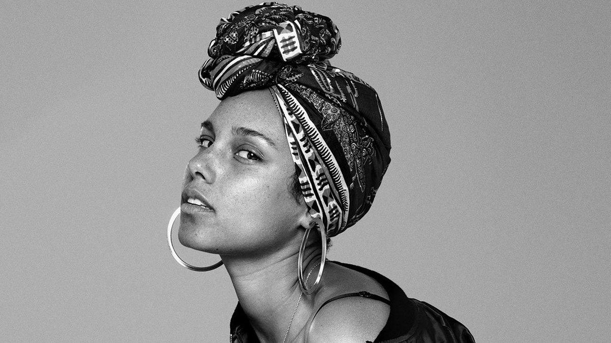 Alicia Keys has a memoir coming out in November #BillboardNews blbrd.cm/b8uiAZ