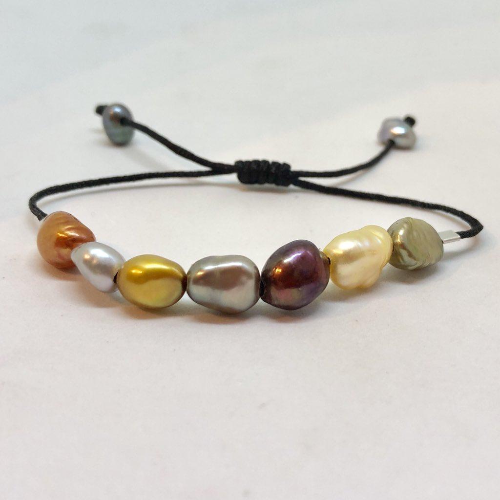 cd9482f148b6 Rainbow Pearl Bracelets  pearls  bracelet  fashion  Fashionista  London   FemaileEntrepeneurs  MothersDaygifts  Mothersday2019  giftideas  gift    pulseras .