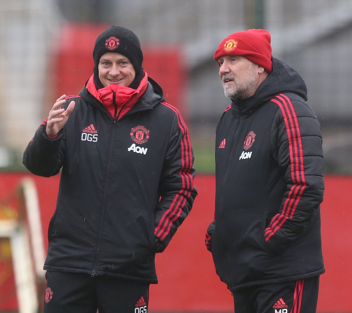 Great to be in the hat eh gaffer? .. Yep it's cold Mike, pretty cold, .... no tomorrow lunch time man.. ah yes let's stay in it eh fella 😉