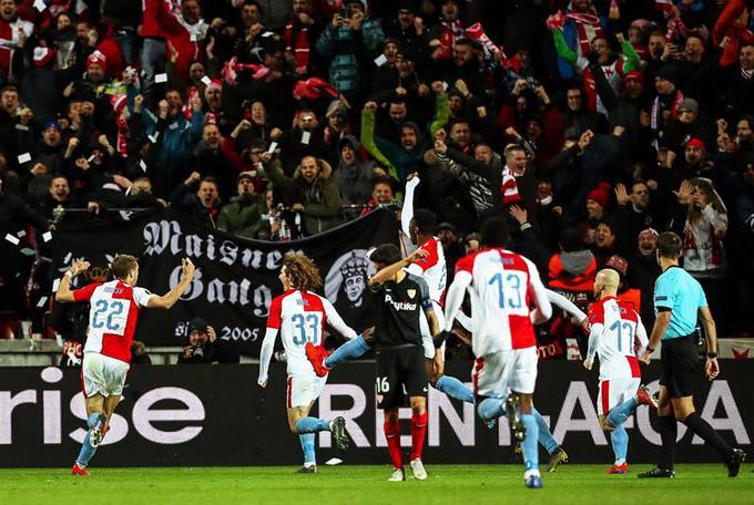 ElDesmarque Sevilla FC's photo on #SlaviaSevillaFC