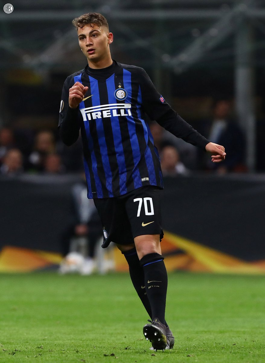 | ESPOSITO  Born on 2 July 2002, Sebastiano #Esposito has become Inter&#39;s youngest ever player to feature in Europe, aged 16 years 255 days.  #InterEintracht #UEL<br>http://pic.twitter.com/gDTLjFYb60