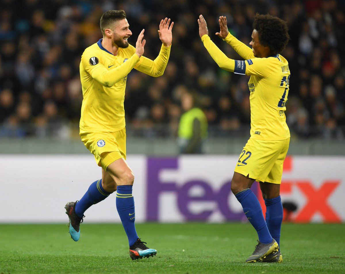 Unmarked in the box, @_OlivierGiroud_ heads in from @willianborges88&#39;s free-kick!   0-4 [59&#39;] #DYNCHE <br>http://pic.twitter.com/rFeXJty5hN