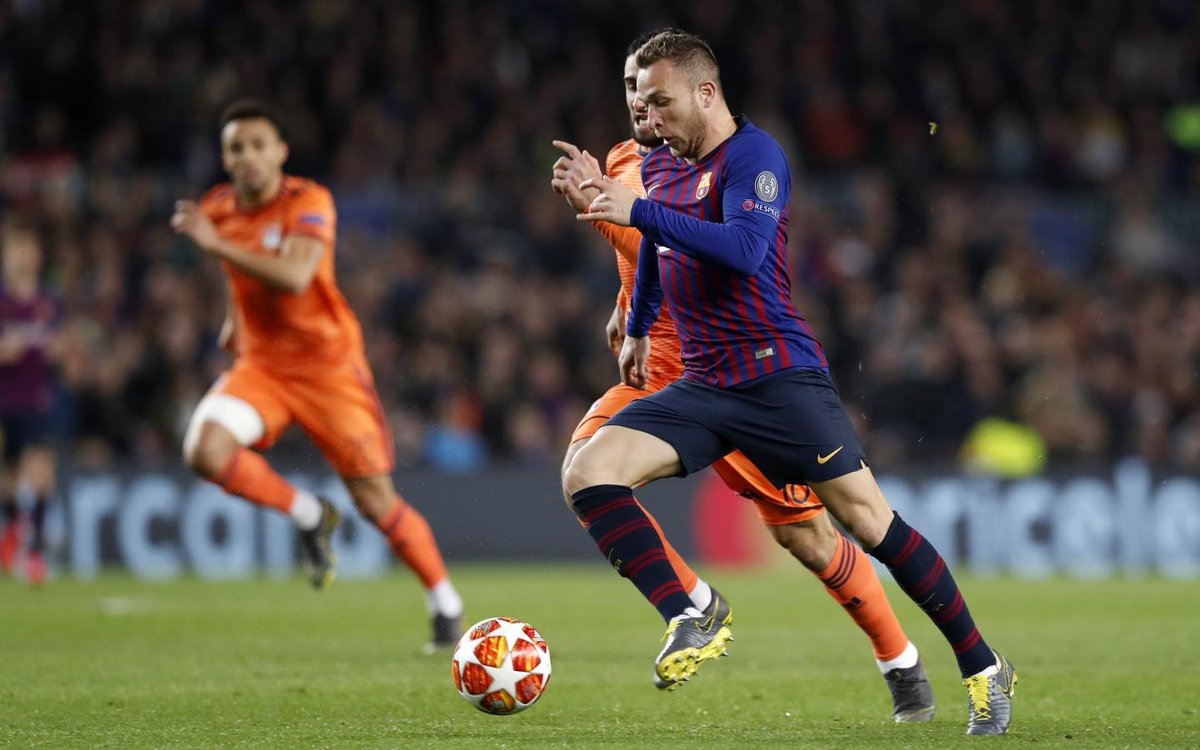⚽ @arthurhromelo: 72 passes and 71 found their man 😍 😏 That's unreal! 🔝🎩 🔵🔴 #ForçaBarça