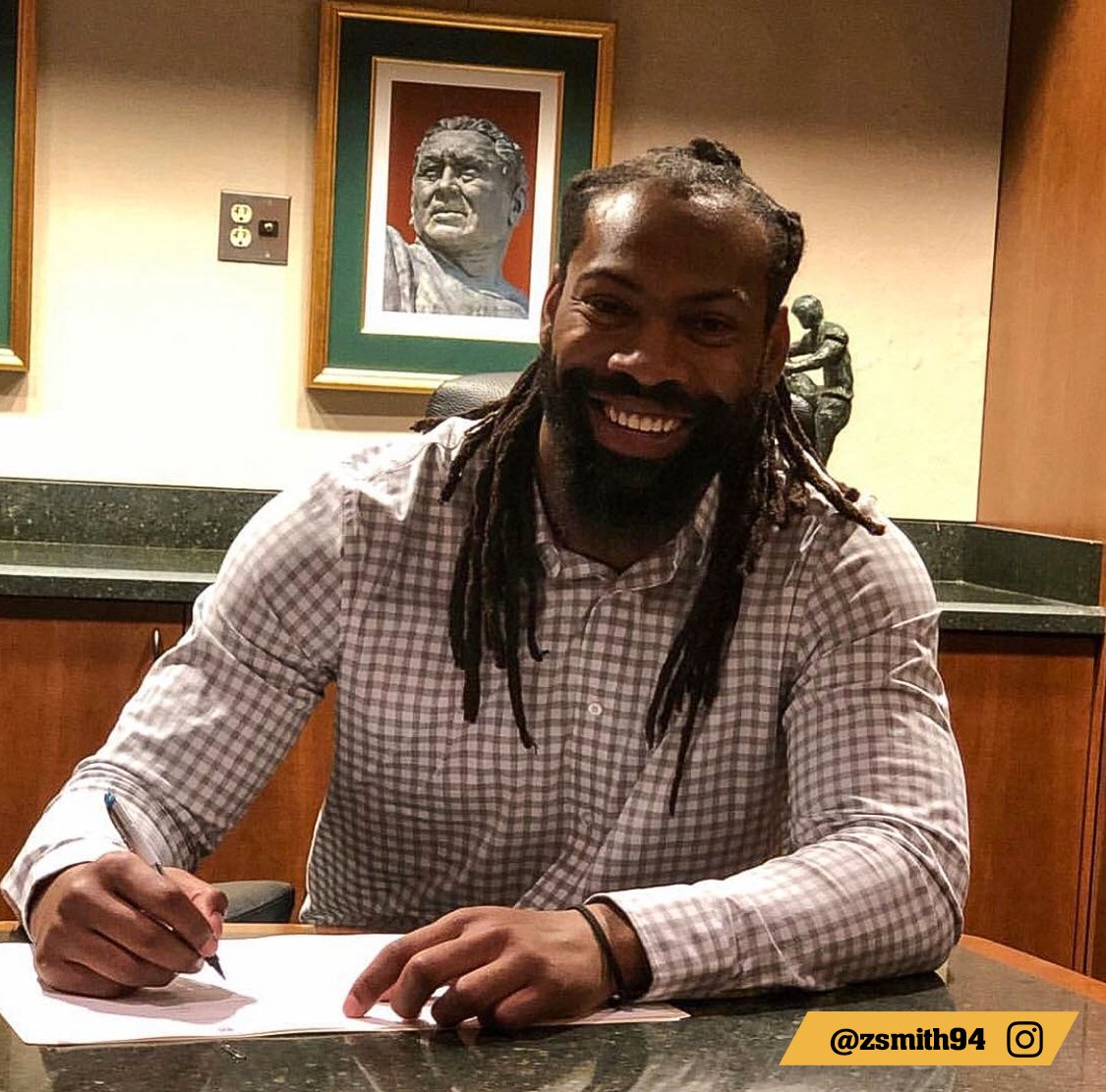 Official   @TheRealZSmith #GoPackGo<br>http://pic.twitter.com/m7uyZpokWs
