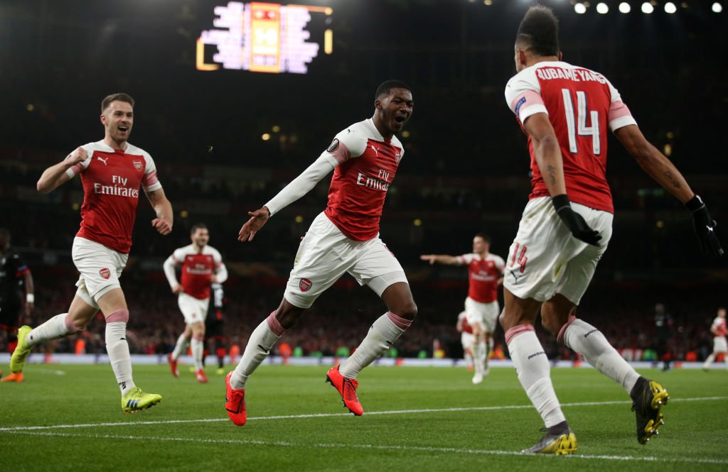 Pierre-Emerick Aubameyang double helps Arsenal reach last eight