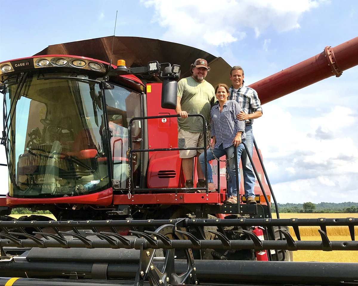 Happy #NationalAgDay. As a product of rural Tennessee, agriculture is one of my top priorities, and I am committed to this important industry. <br>http://pic.twitter.com/K65LSKzzGS