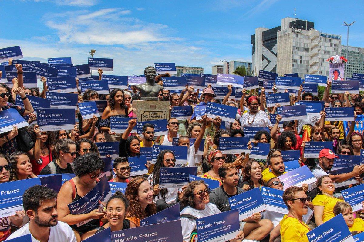 PSOL 50's photo on #FlorescerPorMarielle