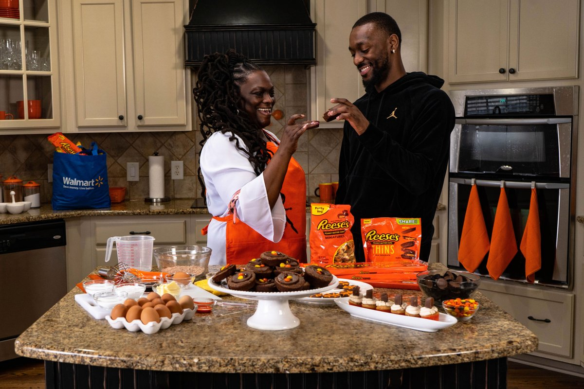 March Madness brings back great memories for me and my Mom 😁. This year, we already have everything we need to get us through the tournament. Make sure to stock up on @reeses Peanut Butter Cups at @Walmart for this year's games. #ad #ReesesScoreBigTime  http://bit.ly/RMM-AV