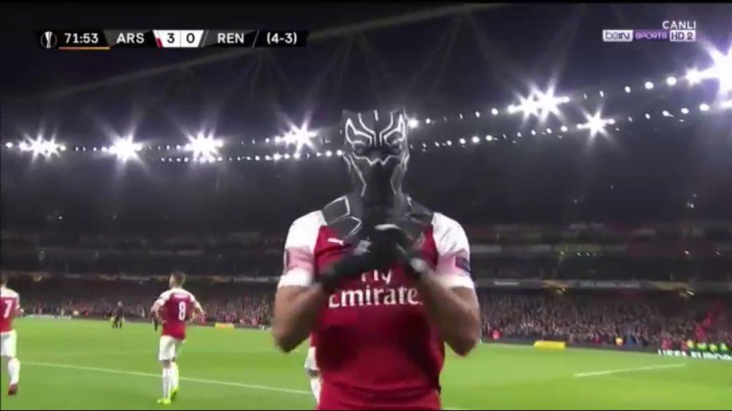 Just look at batman #ArsenalSRFC <br>http://pic.twitter.com/giFi8ipsXW