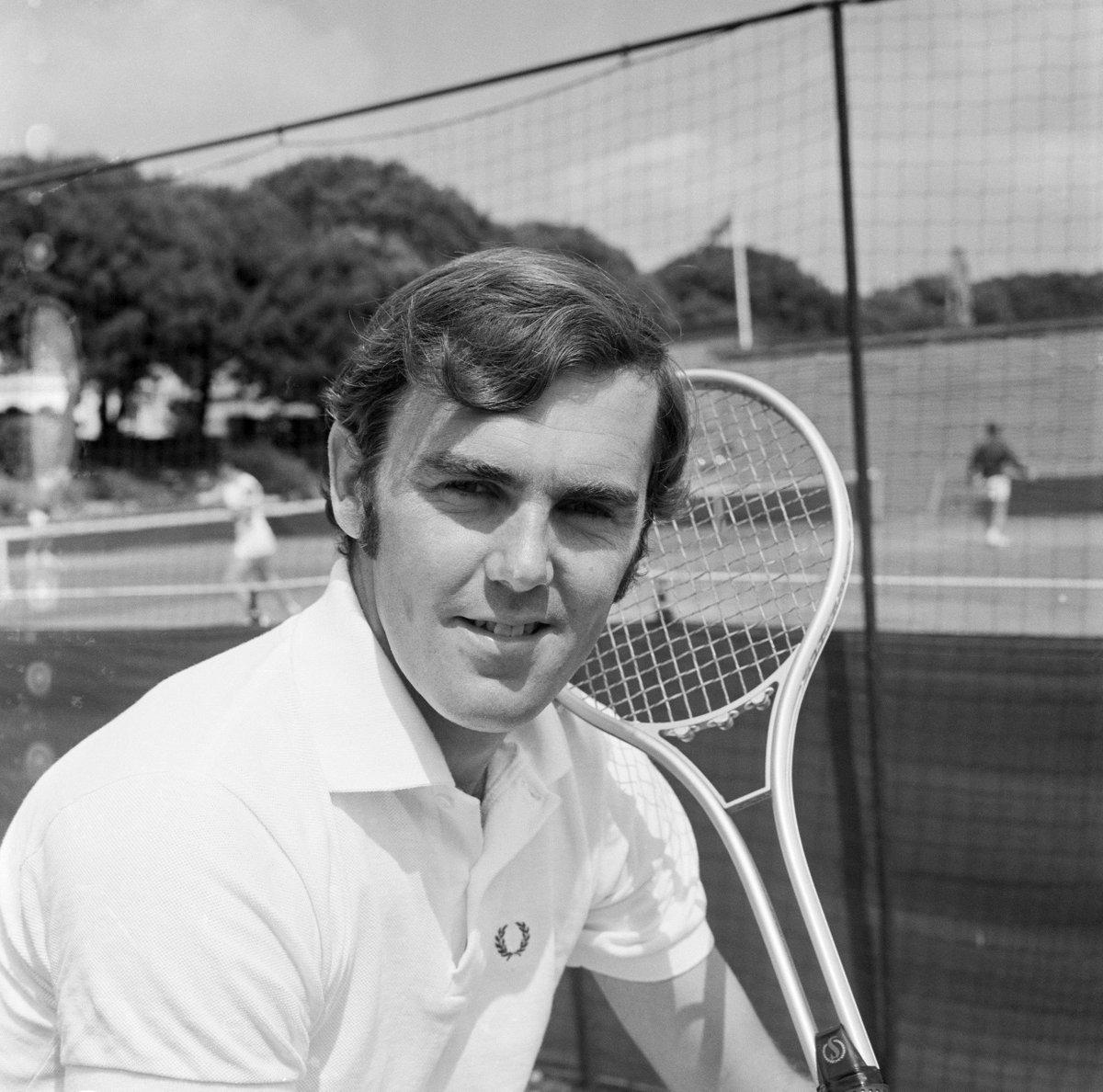 Wimbledon's photo on Paul Hutchins