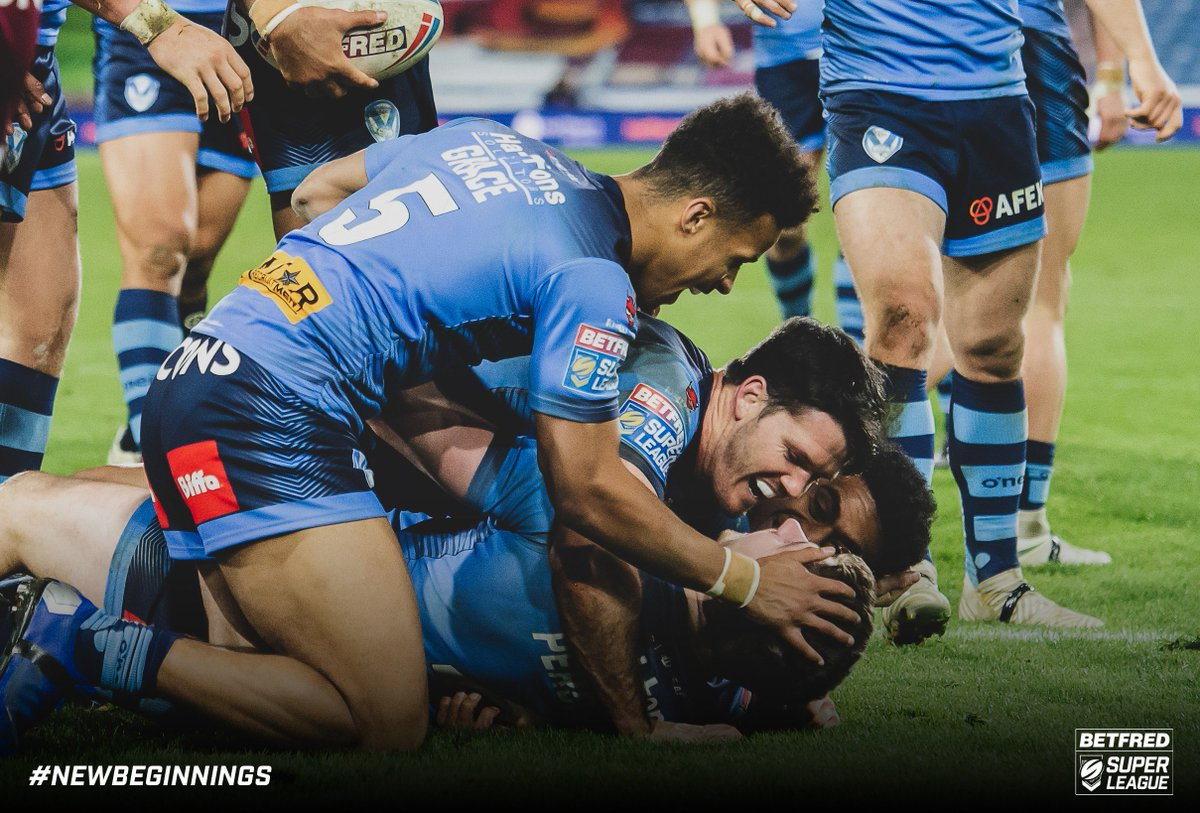 Betfred Super League's photo on #SLHudStH