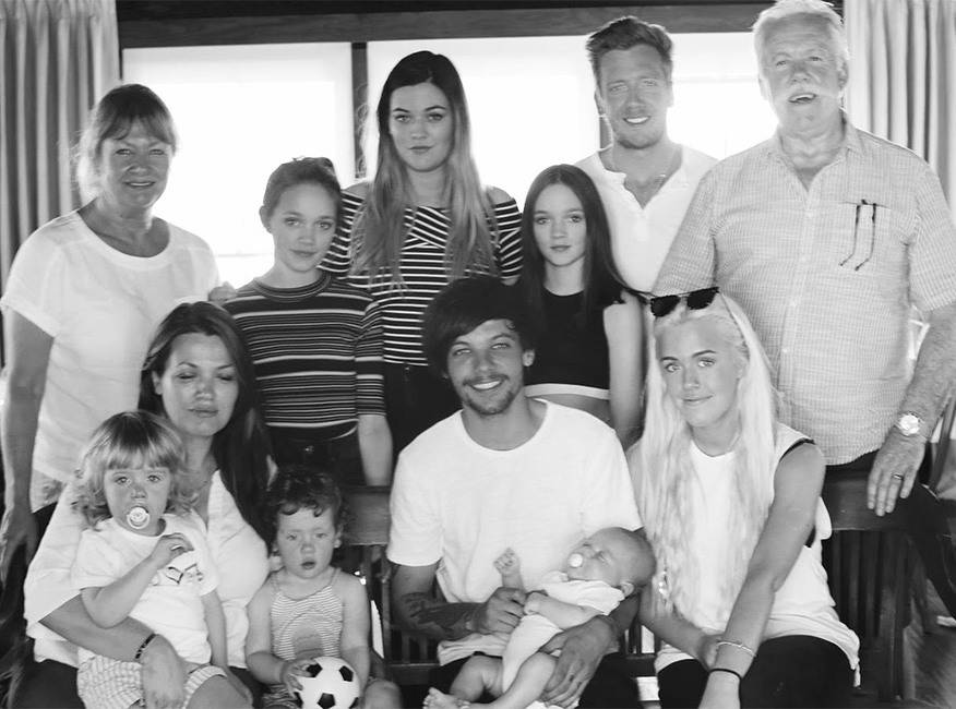 E! News's photo on Fizzy