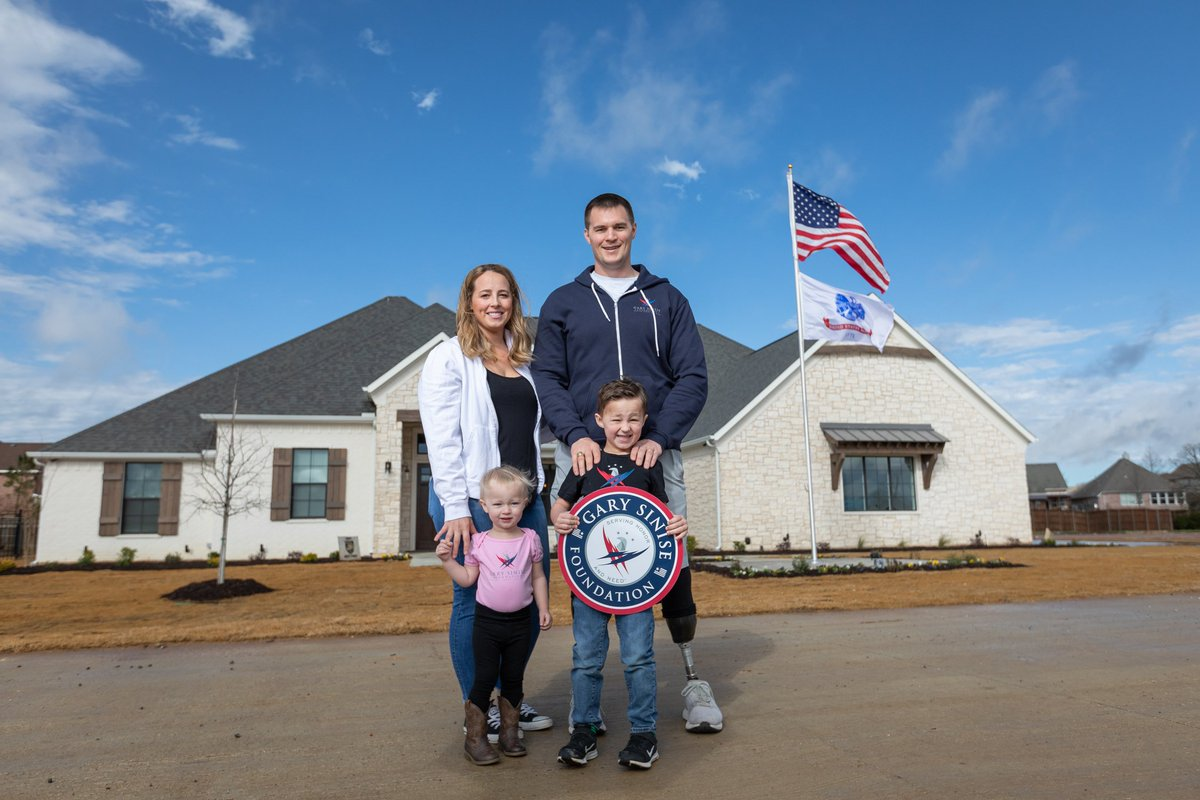 Welcome home Murphy Family! Today they were presented with their specially adapted smart home through our R.I.S.E. program! 🏡 Read more about them here: https://bit.ly/2W067G0