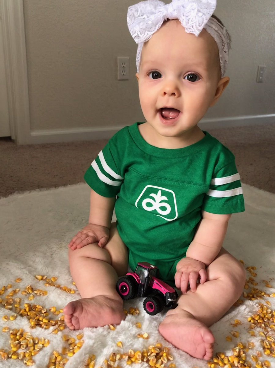 Happy #NationalAgDay from Ellie, my @PioneerSeeds Field Agronomist in training.<br>http://pic.twitter.com/31lSE2weqJ