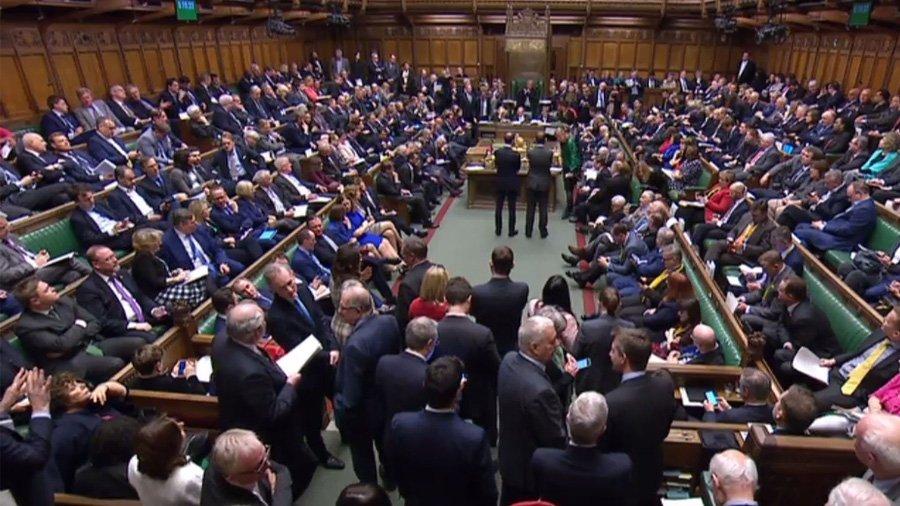 時事ドットコム(時事通信ニュース)'s photo on 英議会