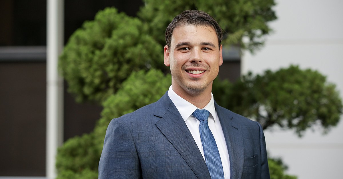 Congratulations to Adam De Jong who is one of three students to receive the inaugural AGSM Leadership Excellence (Military) Award. This scholarship is open to current or former defence force members with a distinguished leadership career. Find out more: http://ow.ly/FQrF50nbfQ2