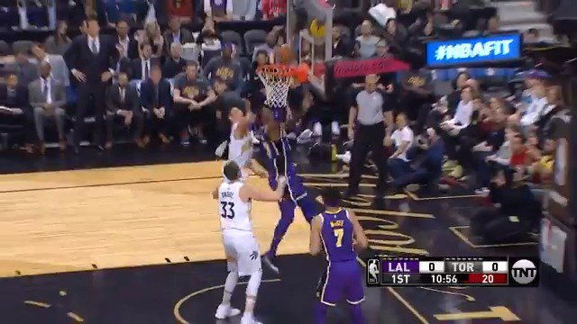 LeBron with the heads up steal and score to open play!  #LakeShow x #WeTheNorth   ��: @NBAonTNT https://t.co/CGhTmhDzEL