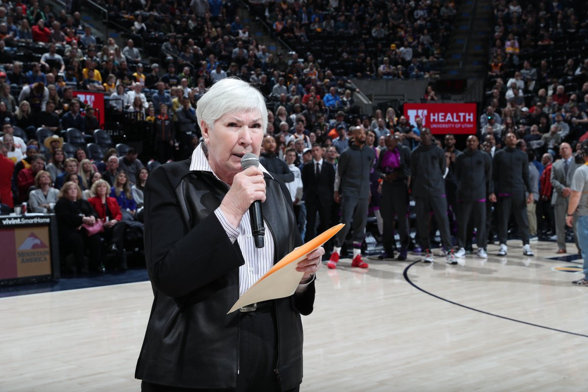 Gail Miller addressed tonight's crowd ahead of tip-off ❤️
