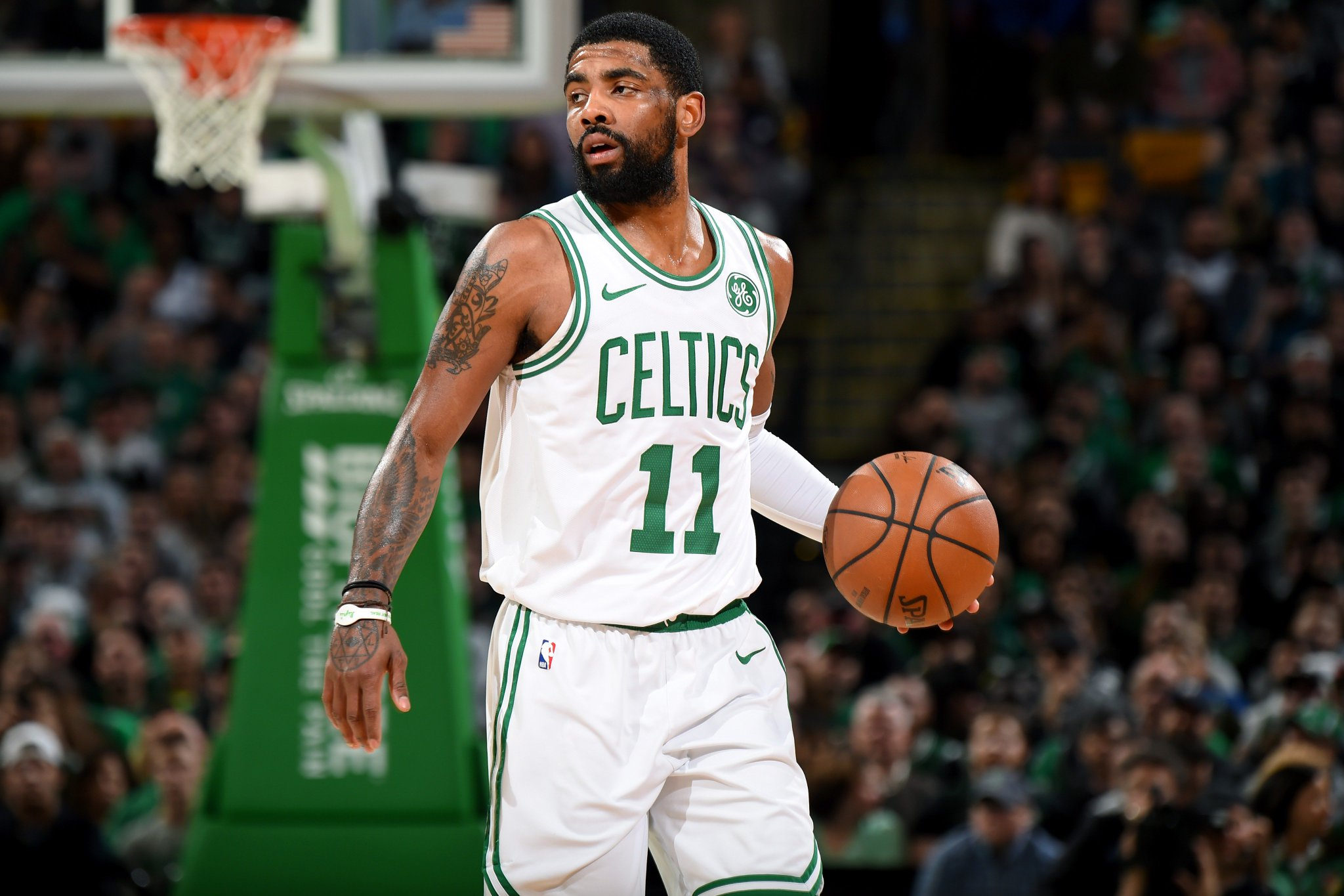 #TripleDoubleAlert  Kyrie Irving notches his 2nd career triple-double with 30 PTS, 11 AST, 10 REB! #CUsRise https://t.co/a0GSezpy38