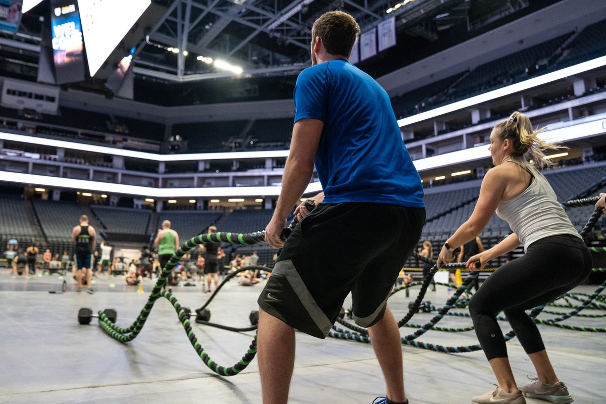 For @NBA FIT Week presented by @kpthrive, Robles Fitness took over @Golden1Center for a 100+ person group fitness workout at 5:30 am! 💪🏋️♀️ #NBAFIT