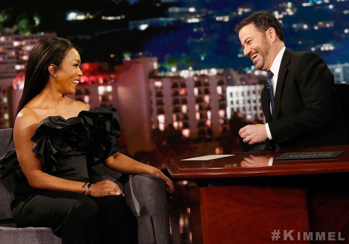 QUEEN!  @ImAngelaBassett #WakandaForever #911onFOX<br>http://pic.twitter.com/eiJOVuHgBt
