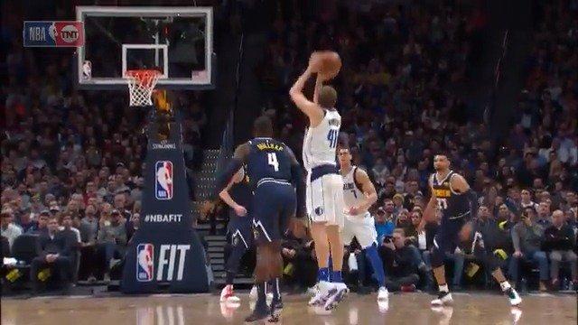 Dirk gonna Dirk! ����  #MFFL 21 #MileHighBasketball 17  ��: @NBAonTNT https://t.co/P9I7w4zgCx